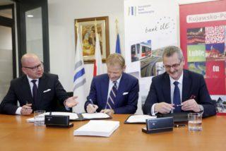 17.11.16 Warszawa , Siedziba Europejskiego Banku Inwestycyjnego . Podpisanie umowy EBI III . Fot. Mikolaj Kuras